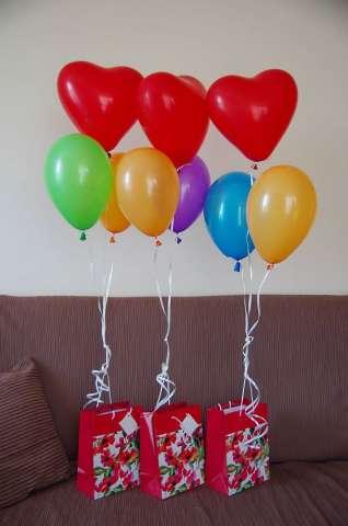 balony z helem na urodziny, prezent balon pompowany helem, balony na hel