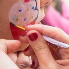 animator klaun na urodziny dla dzieci na sali zabaw